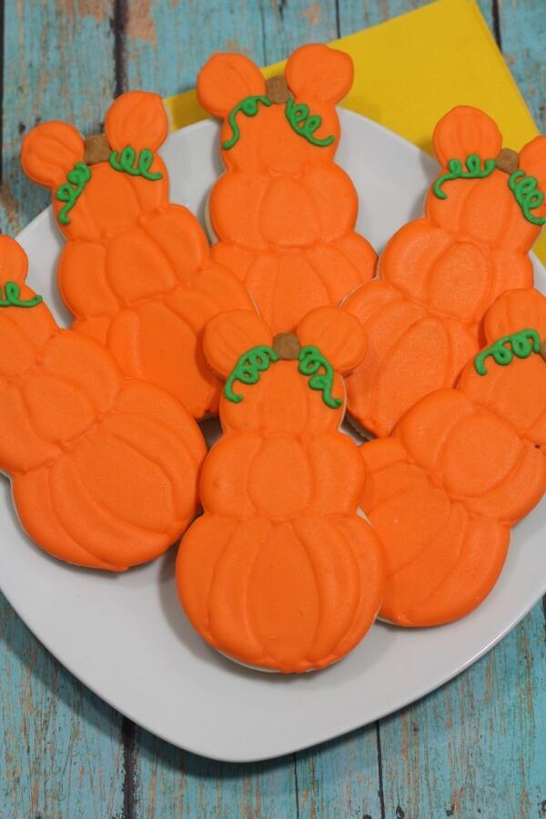 Mickey pumpkin 6-1