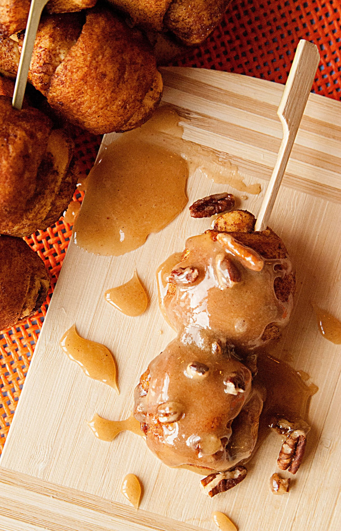 Pumpkin Spice Cinnamon Roll Pops