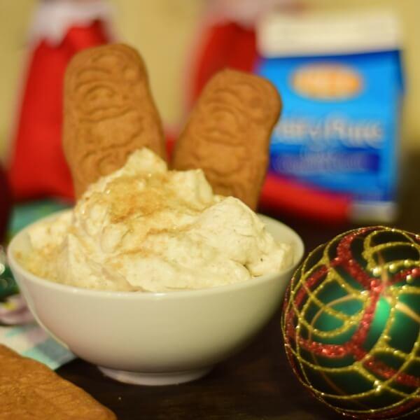 5 Minute Gingerbread Mousse Dip Recipe