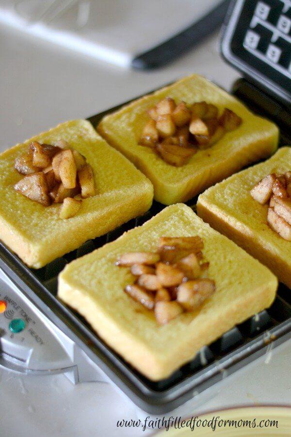 apple-stuffed-french-toast-waffles-4